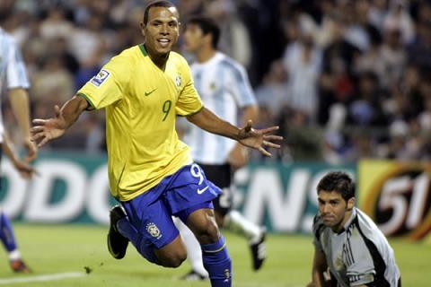 ::: SEDE DEL CLUB ::: REAL BETIS BALOMPIE (Danibox7) Luis_fabiano