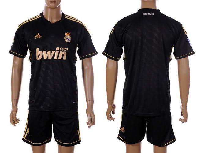 camiseta suplente del real madrid