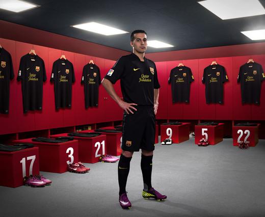 El FC Barcelona aprovecha los cuartos de Champions League para hacer publicidad de la tercera camiseta
