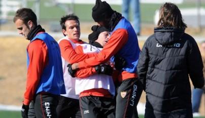 medel_y_spahic_se_pelean_en_un_entrenamiento2