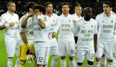 El Madrid muestra su apoyo a Abidal y Muamba4