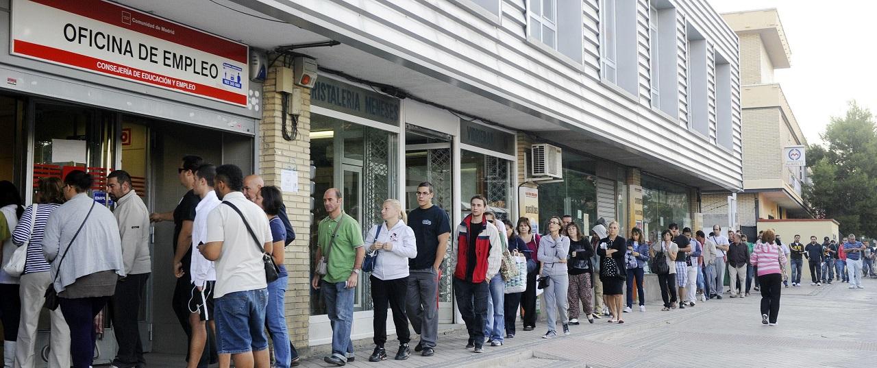 Recogen votos para que bale fiche por el madrid for Oficina de empleo caceres
