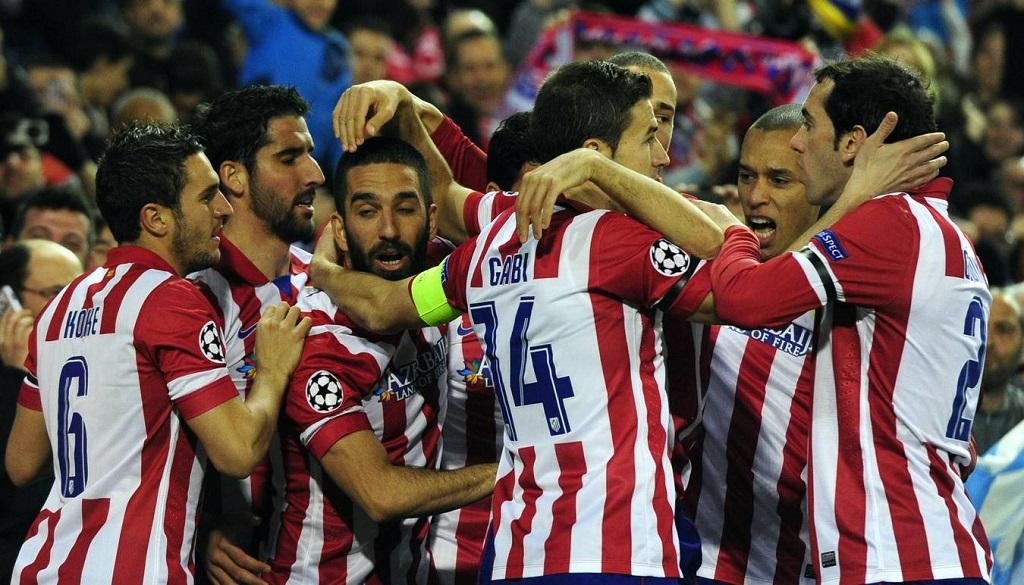 jugadores Atletico celebrando un gol