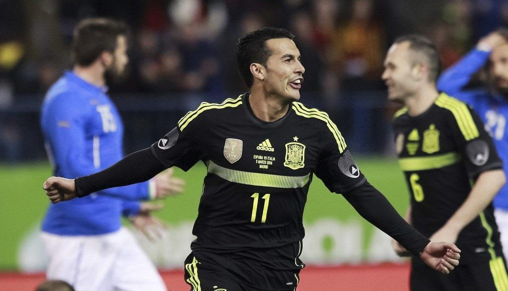 Pedro celebrando un gol ante Italia