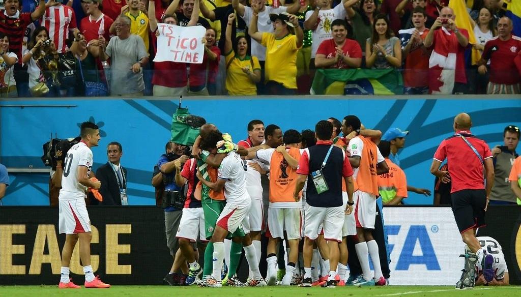 Costa Rica celebrando