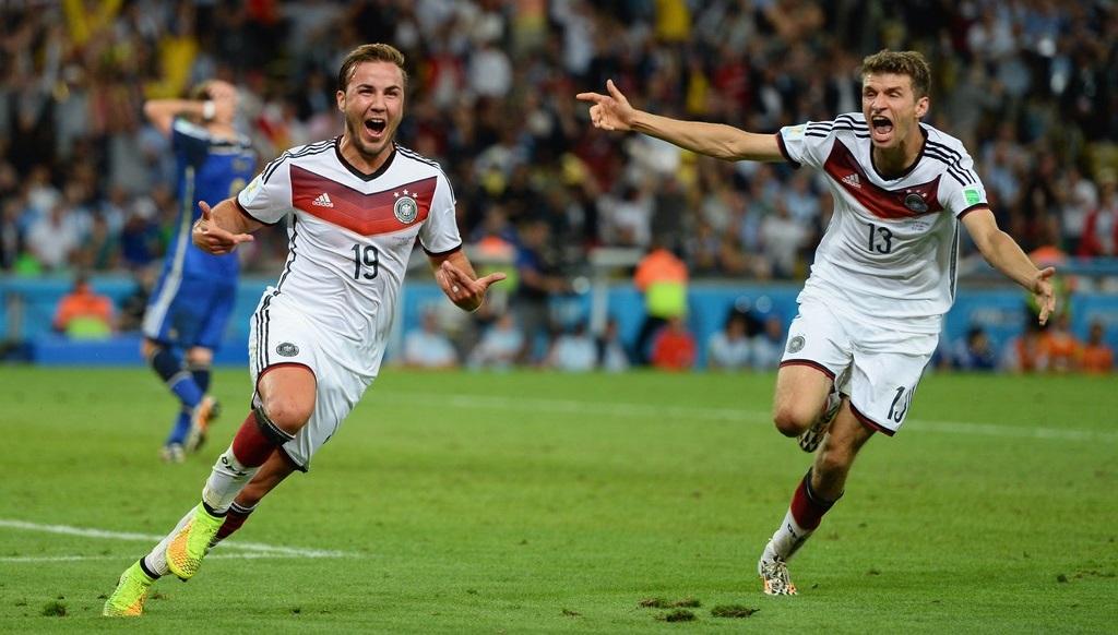Gotze celebrando el gol de la victoria