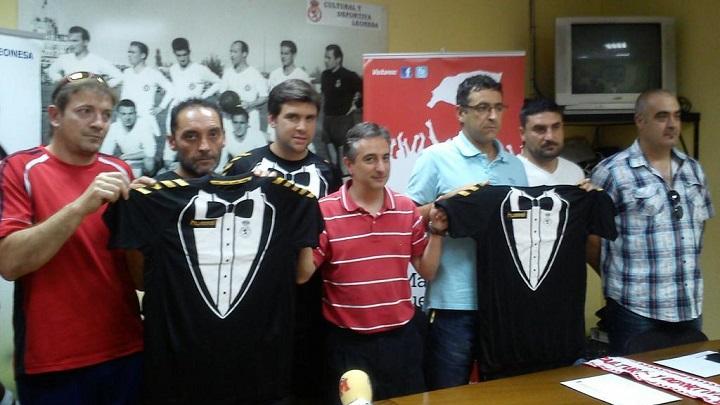 Camiseta Cultural Leonesa esmoquin