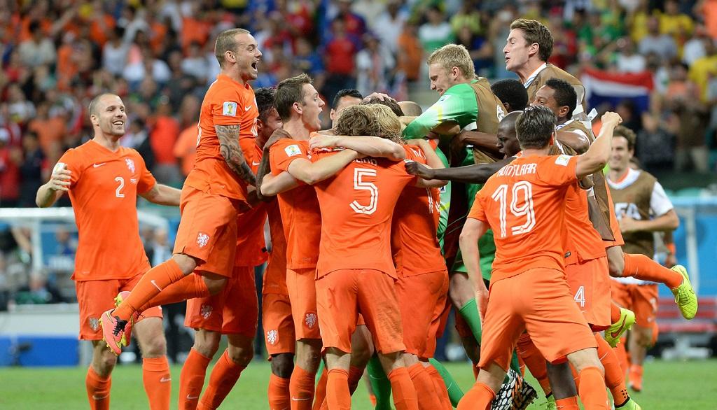 jugadores holandeses celebrando
