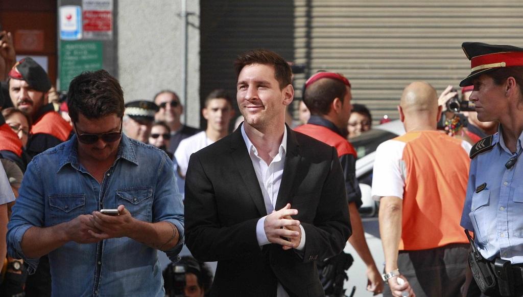 Leo Messi entrando al juzgado