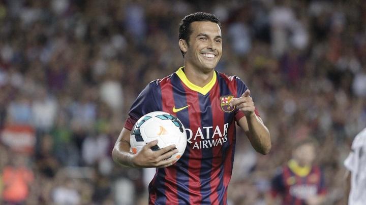 Pedro con el balon en la mano