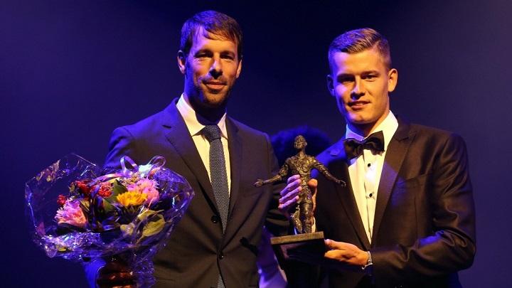 Finnbogason con Van Nistelrooy