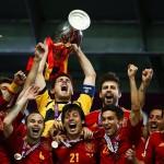 Los futbolistas españoles con más títulos