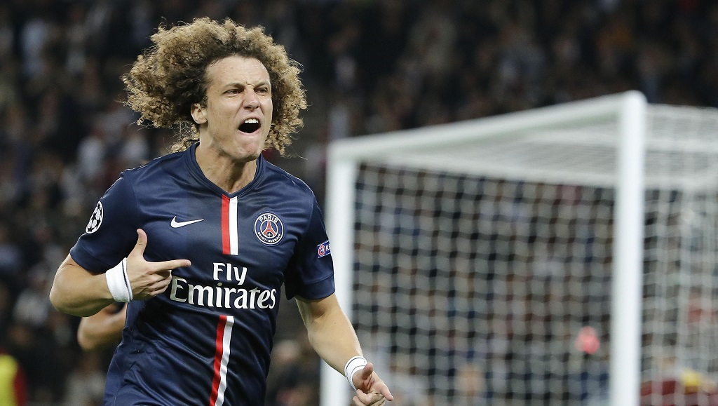 David Luiz celebrando un gol