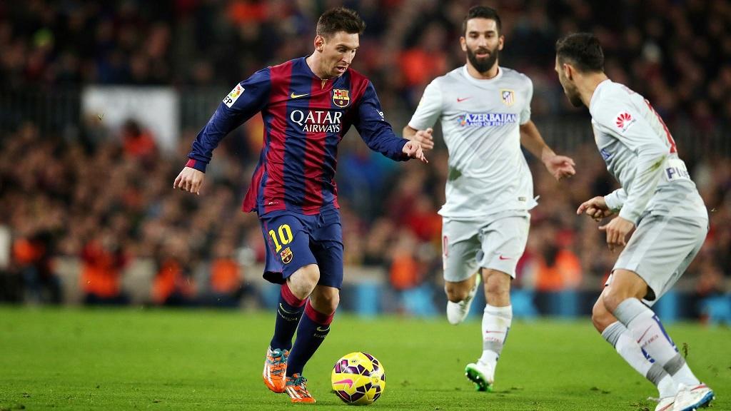 Messi encarando