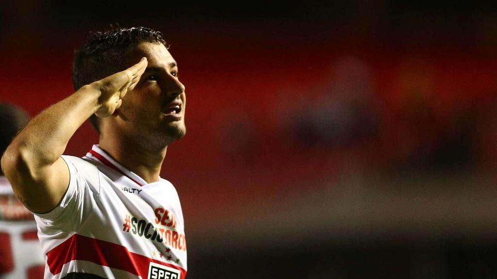 Alexandre Pato celebrando un gol