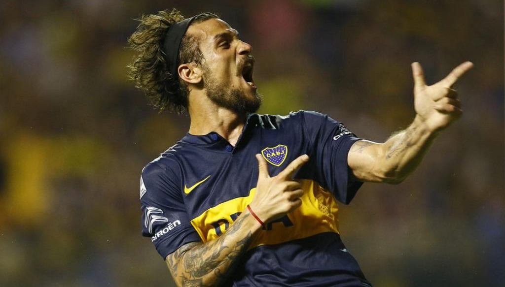 Pablo Daniel Osvaldo celebrando un gol con Boca