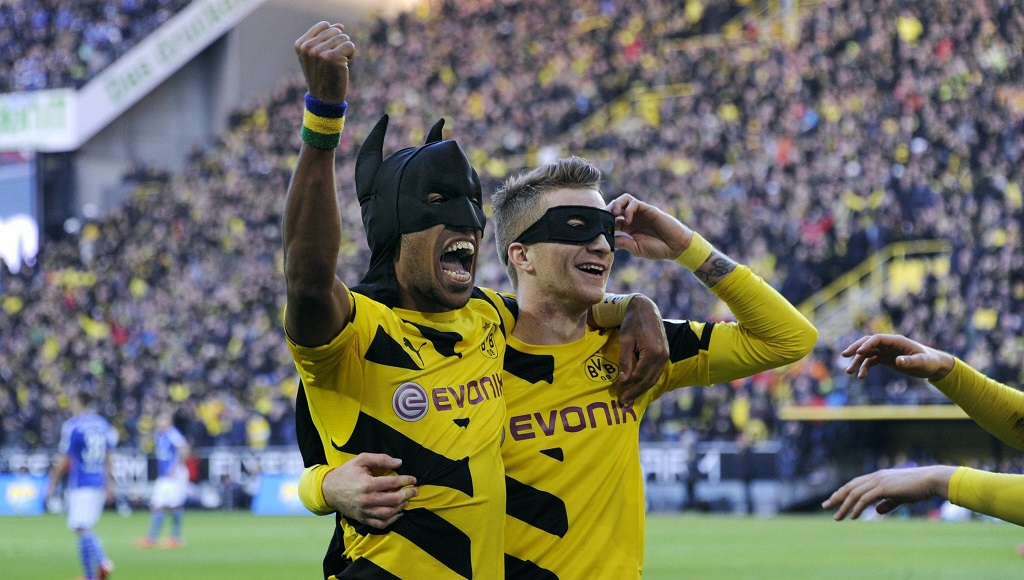 Aubameyang y Marco Reus celebrando un gol