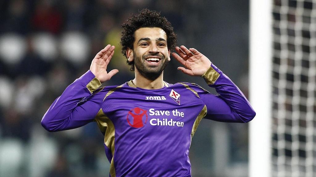 Salah celebrando un gol con la Fiorentina