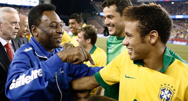 Pelé y Neymar saludándose
