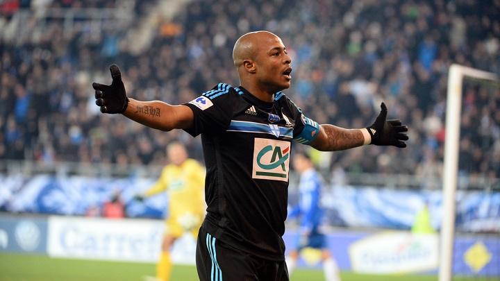 André Ayew celebrando un gol
