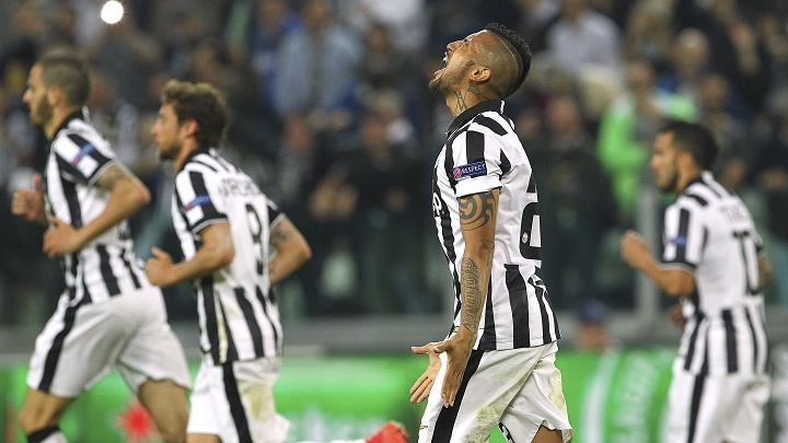 Arturo Vidal celebrando su gol