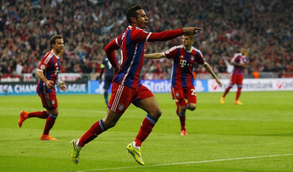 Thiago celebrando su gol
