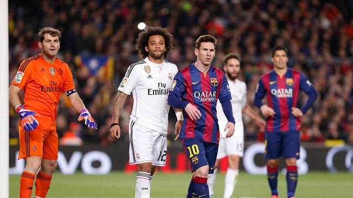 Marcelo con Messi en el area