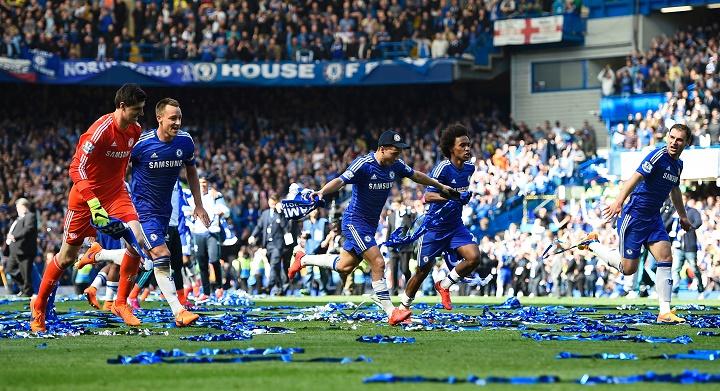 jugadores Chelsea celebrando