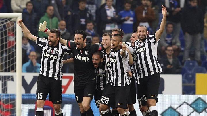 jugadores de la Juventus celebrando