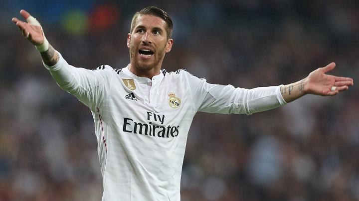Sergio Ramos animando al publico