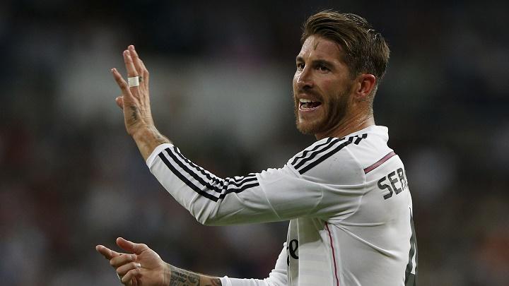 Sergio Ramos dando indicaciones