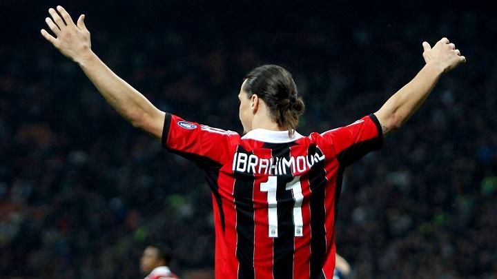 Zlatan Ibrahimovic de espaldas