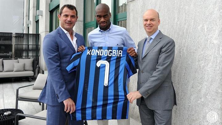 Kondogbia con la camiseta del Inter