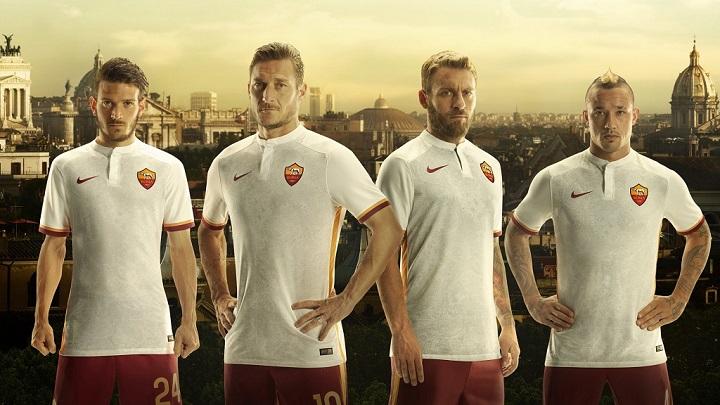 Segunda camiseta Roma 2015-2016