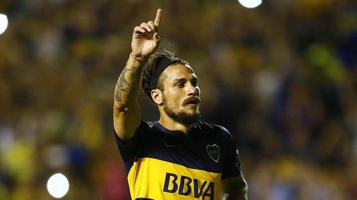Osvaldo celebrando un gol