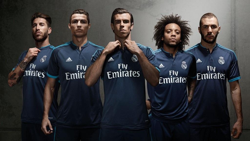 Tercera equipacion Madrid 2015-2016 21