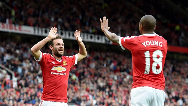 Juan Mata y Ashley Young