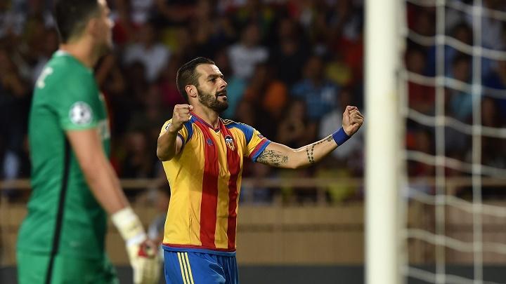 Alvaro Negredo celebrando un gol