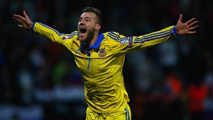 Yarmolenko celebrando un gol