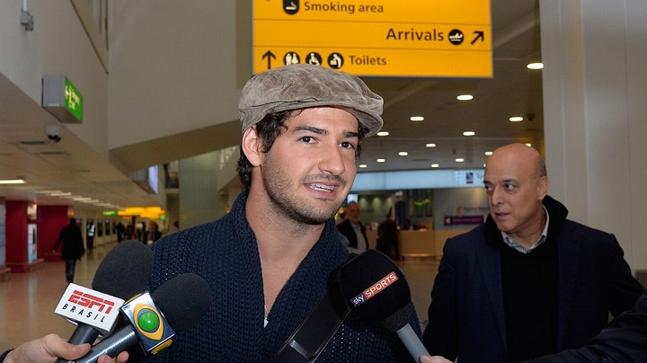 Alexandre Pato Heathrow