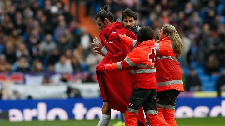 Gareth Bale saliendo del campo
