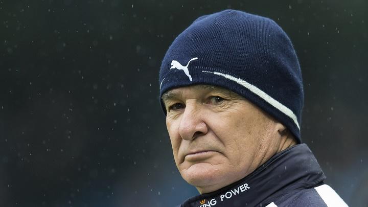 Claudio Ranieri con gorro