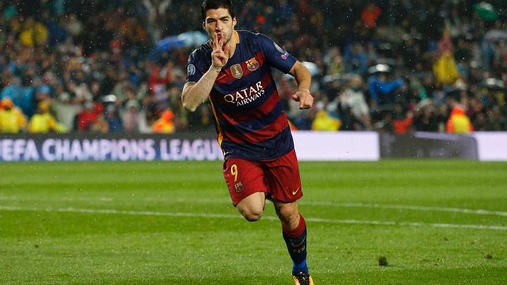Luis Suarez celebrando un gol