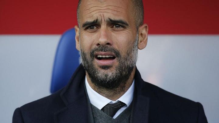 Pep Guardiola preocupado