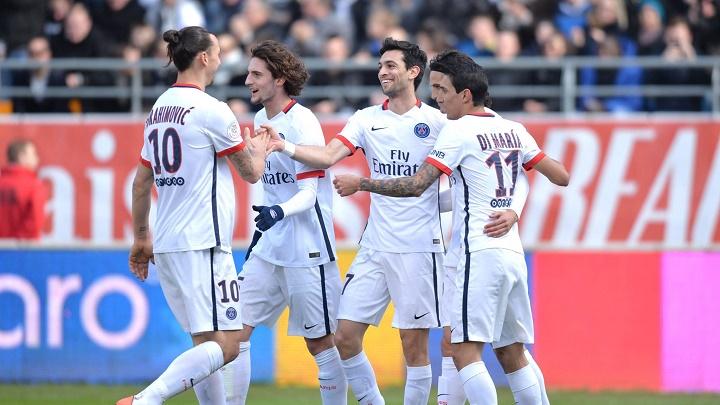 Troyes PSG celebrando un gol