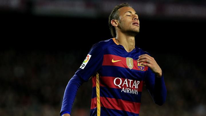 Neymar lamentandose