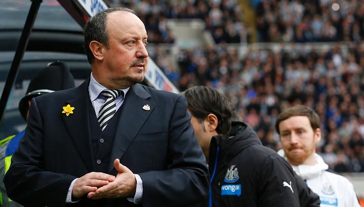 Rafa Benitez en el banquillo