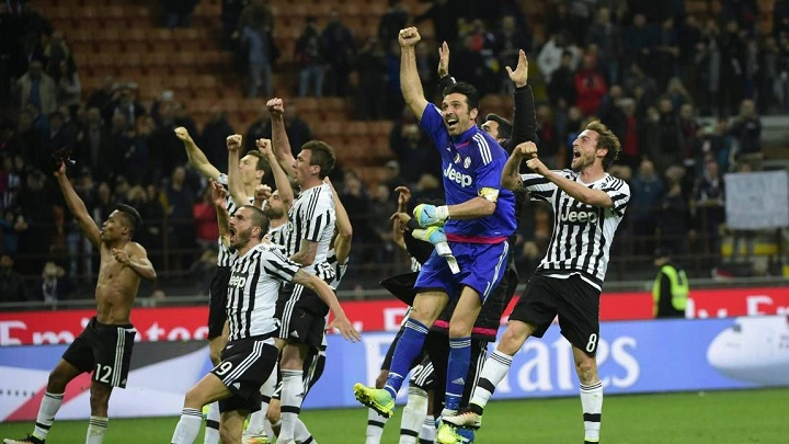 jugadores Juventus felices