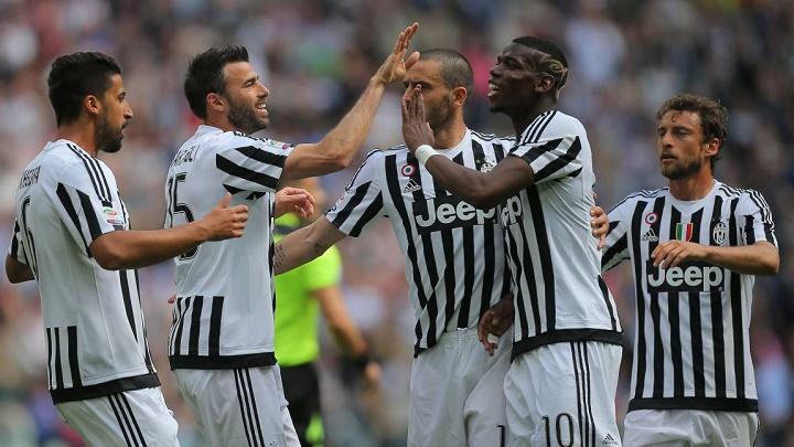 jugadores de la Juventus celebrando un gol