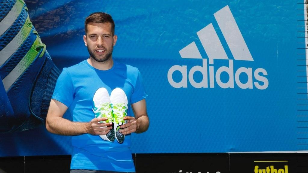presentacion botas Jordi Alba 3